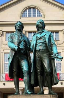 Goethe-Schiller-Denkmal in Weimar, entworfen von Ernst Rietschel