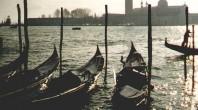 Gondeln - Blick in die Lagune von Venedig auf San Giorgio Maggiore