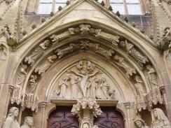 Tympanon des Südportals an der Stiftskirche Bad Wimpfen